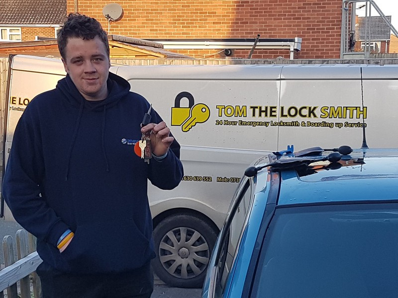 Lost Car Keys In The Telford Area Call Tom The Locksmith